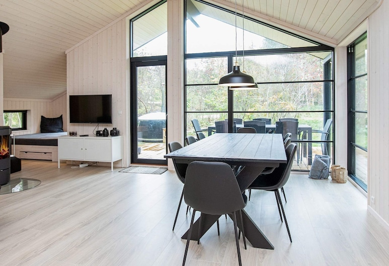 Lively Holiday Home in Vig With Whirlpool, Vig, Pokój