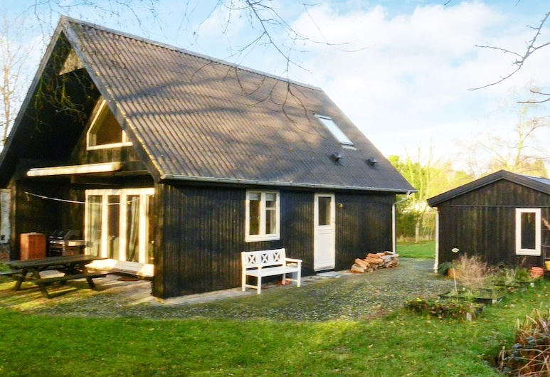 5 Person Holiday Home in Millinge, Миллиндж