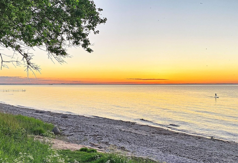Contemporary Holiday Home in Nordborg With Sauna, Nordborg, Plage