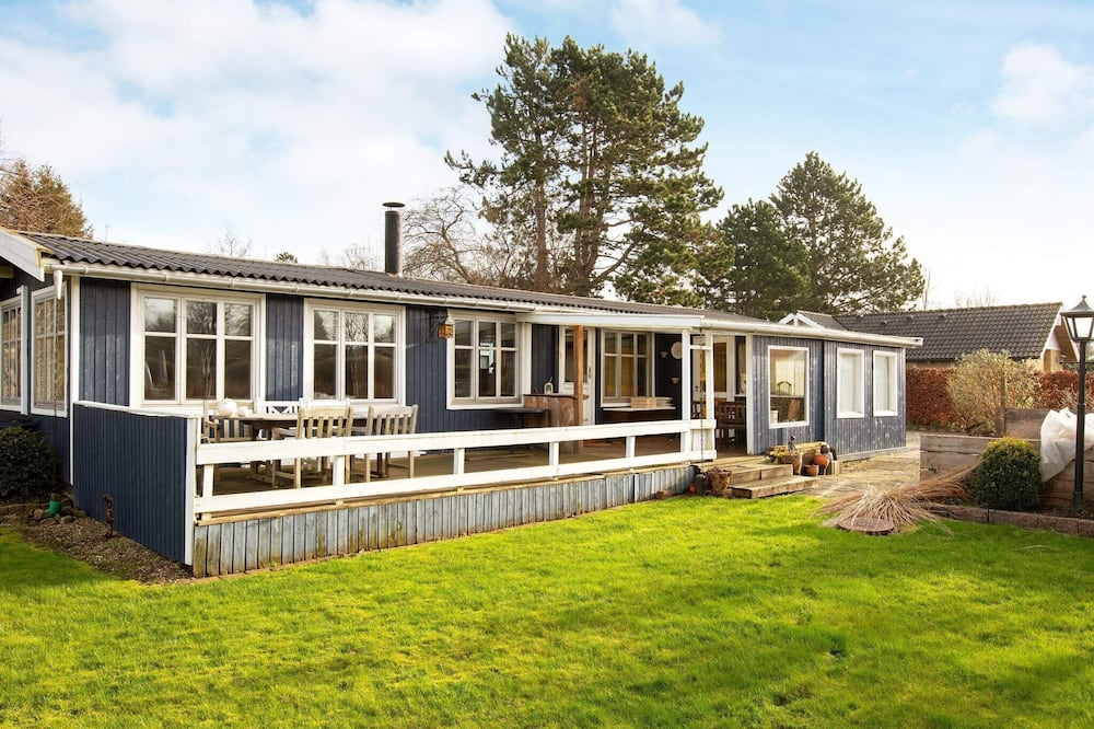 6 Person Holiday Home in Vig