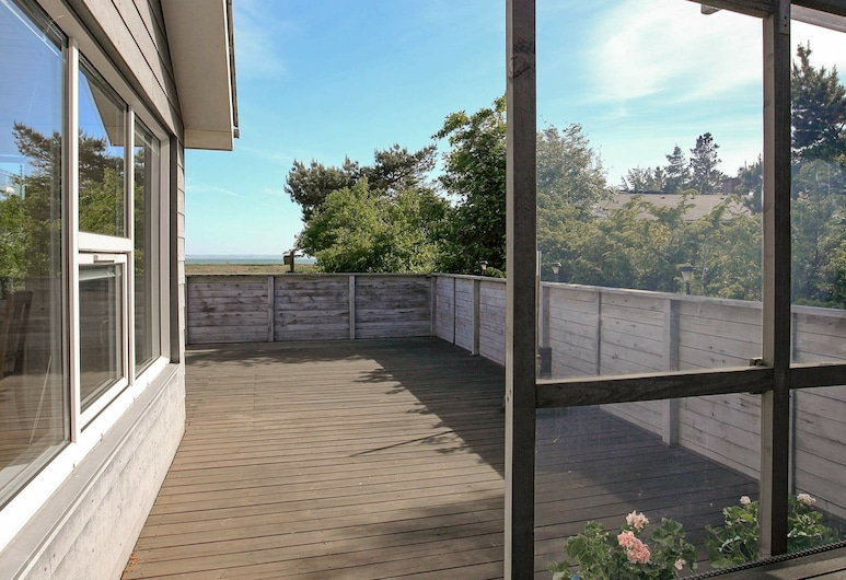 Serene Holiday Home in Thyholm With Terrace, Hurup Thy, Balcony