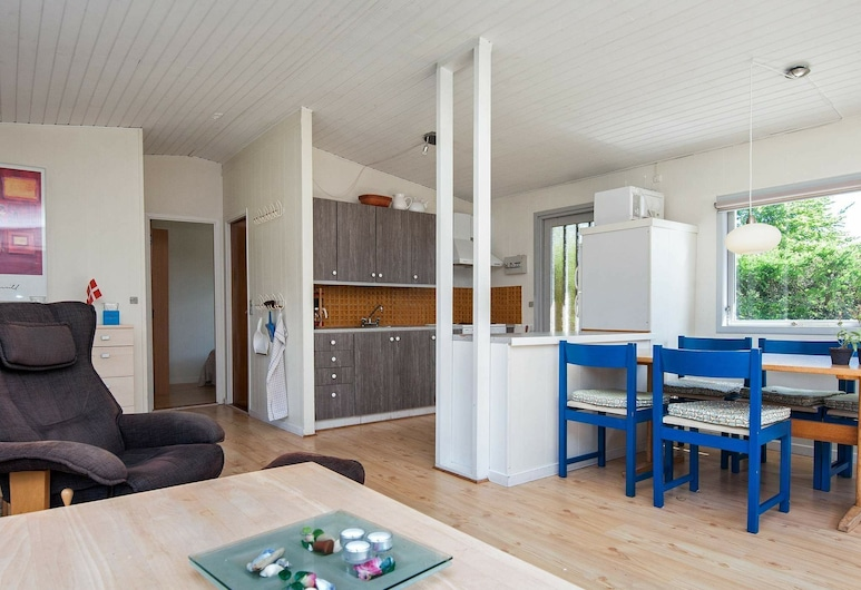 Homely Holiday Home in Jutland With Terrace, Horsens, Sala de Estar