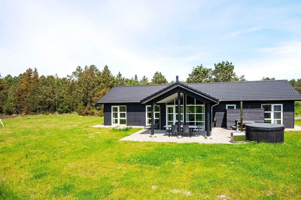 Classy Holiday Home in Rømø With Terrace