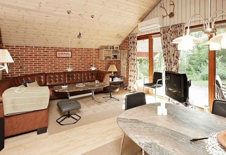 Cosy Holiday Home in Nordjylland With Terrace, Læsø, Living Room