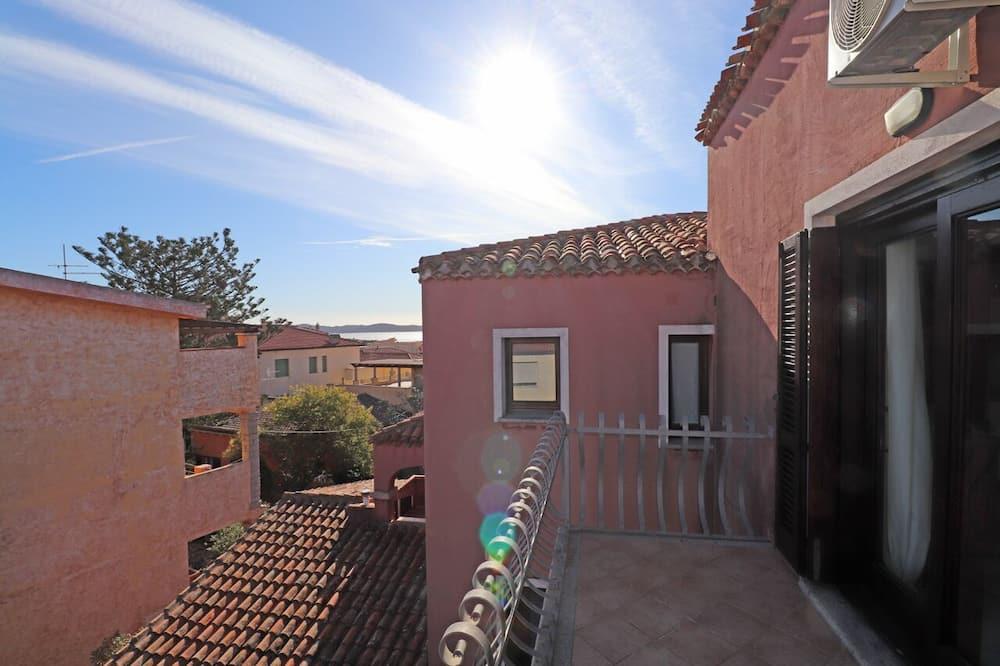 Apartment, 2Schlafzimmer, Balkon, eingeschränkter Meerblick - Balkon