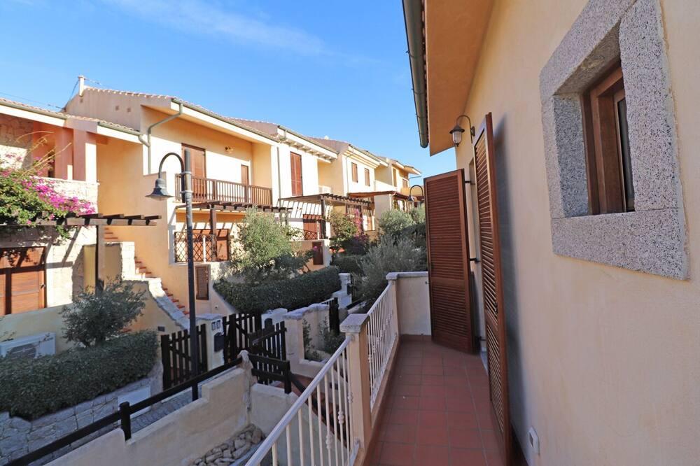 Апартаменти, 1 спальня, з балконом, з частковим видом на море - Балкон