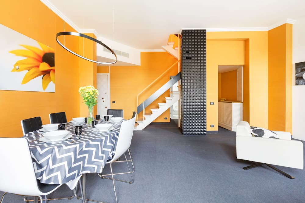 דירה, 2 חדרי שינה - אזור אוכל בחדר
