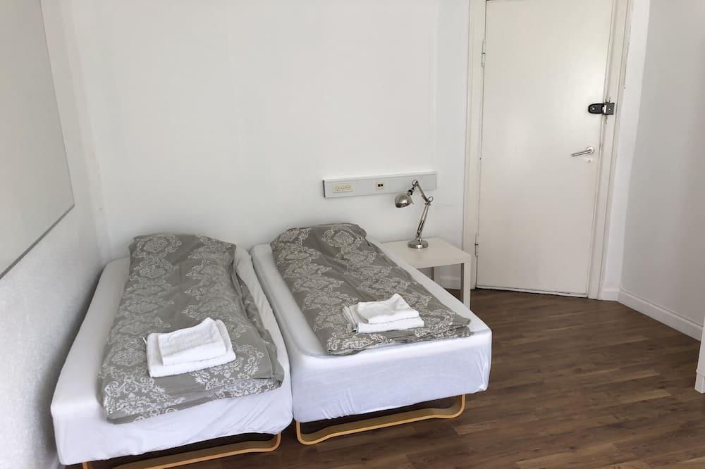 Dvokrevetna soba, zajednička kupaonica - Soba za goste