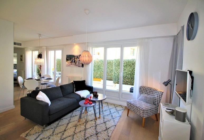 Nice Booking - Centre Dernier étage - Terrasse, Nice, Apartment, Living Room