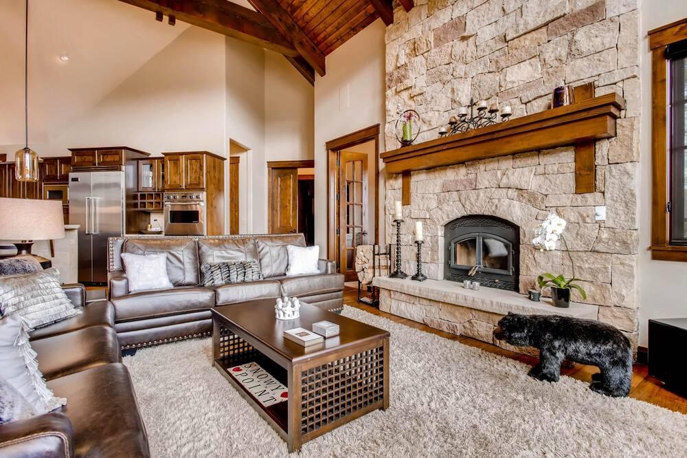 Ferienhaus, Mehrere Betten (Snowy Point Chalet) - Wohnzimmer