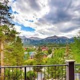 Namas, Kelios lovos, vaizdas į kalnus (Mountain View Chalet) - Balkonas