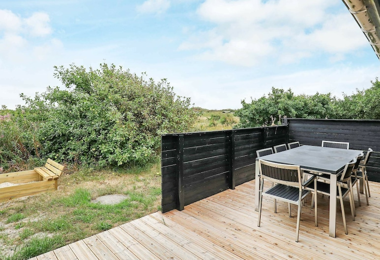 Simplistic Holiday Home in Oksbøl Near Sea, Henne, Ban công
