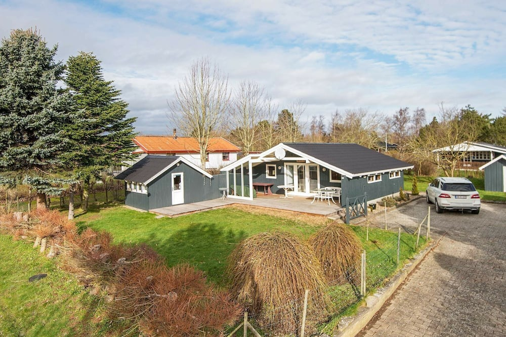 Cozy Holiday Home in Juelsminde With Barbecue
