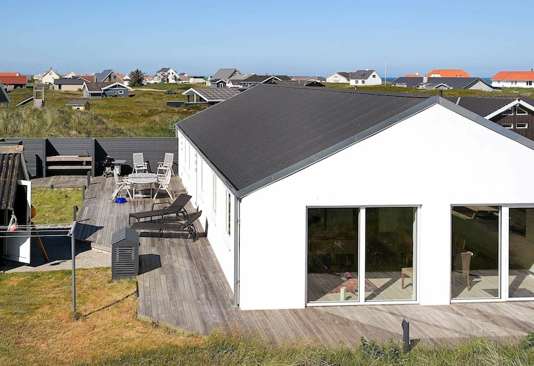 Serene Holiday Home in Frostrup With Terrace, Frostrup, Exterior