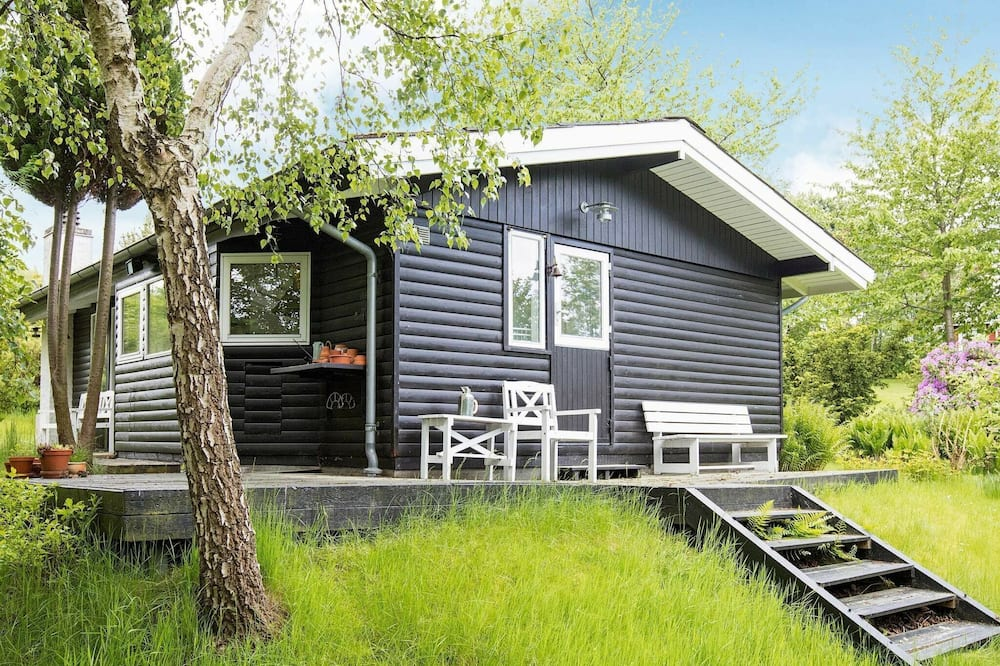 Chic Holiday Home in Hovedstaden With Terrace