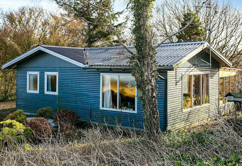 Fascinating Holiday Home in Thyholm With Terrace, Thyholm