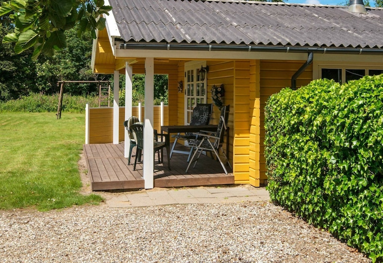 Secluded Holiday Home in Hemmet With Terrace, Hemmet