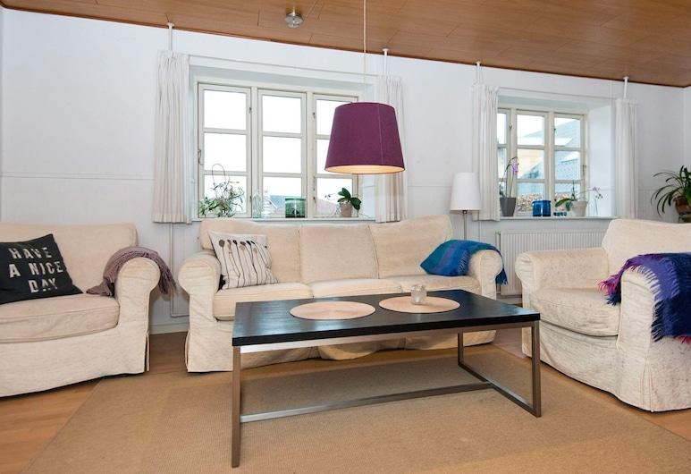 Modern Holiday Home in Jutland With Private Whirlpool, Hejls, Dzīvojamā istaba