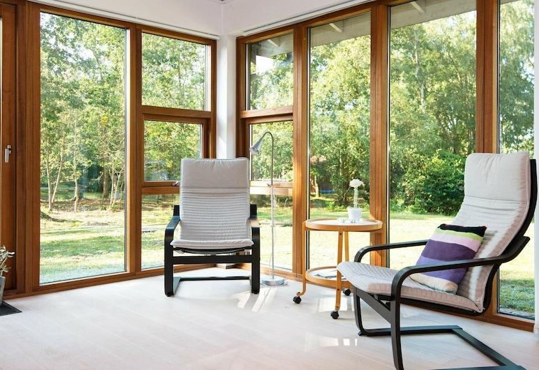 Spacious Holiday Home in Jutland With Terrace, Knebel, Dom, Salon