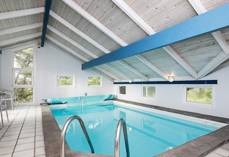 Luxurious Holiday Home in Saltum With Swimming Pool, Lokken, Piscina