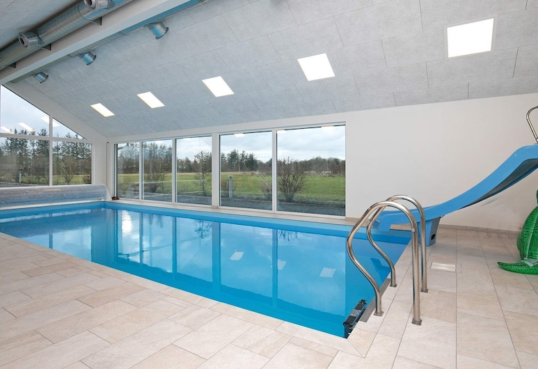 Luxurious Holiday Home in Skals With Swimming Pool, Hojslev, Piscina