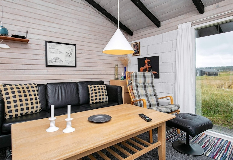 Traditional Holiday Home in Jutland With Roofed Terrace, Hirtshals, Living Room