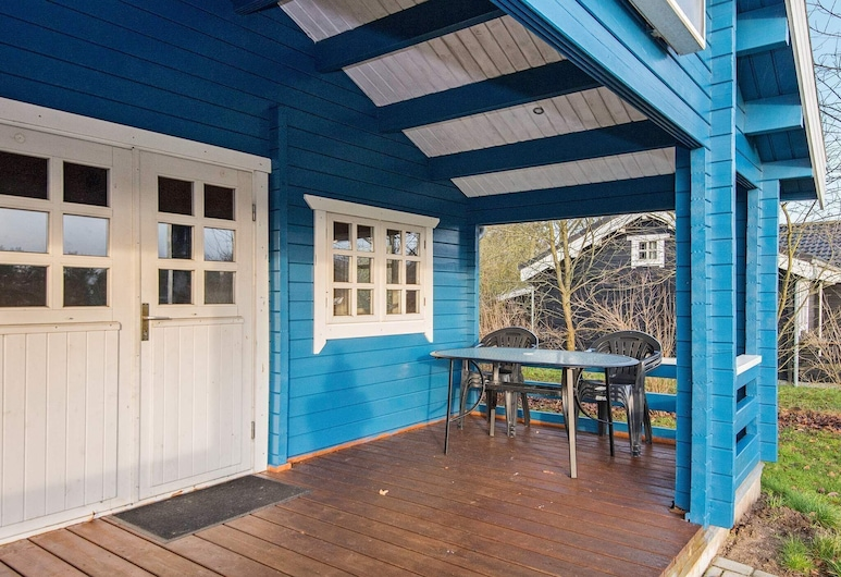 Vibrant Holiday Home in Jutland With Roofed Terrace, Hovborg, Balkon