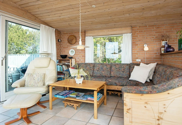 Exquisite Holiday Home in Knebel Terrace, Knebel, Stue