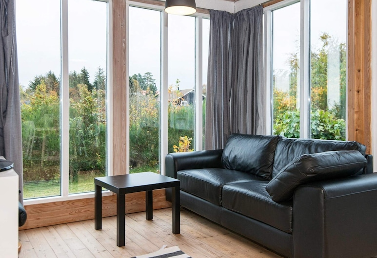 Cosy Holiday Home in Allingåbro With Barbecue, Allingåbro
