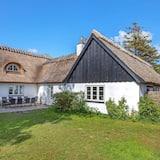 10 Person Holiday Home in Rødvig Stevns