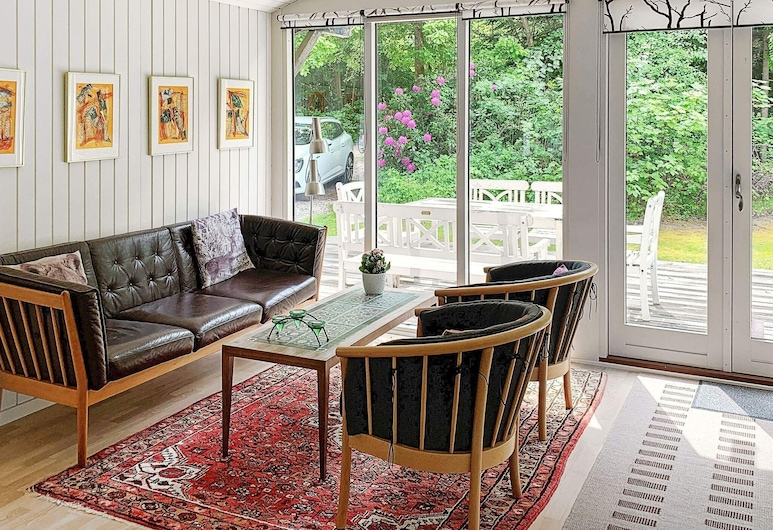 5 Person Holiday Home in Låsby, Ry, Salon