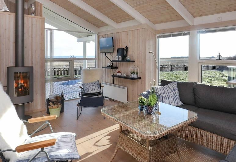 Lovely Holiday Home in Frederikshavn With Terrace, Frederikshavn, Bilik Rehat