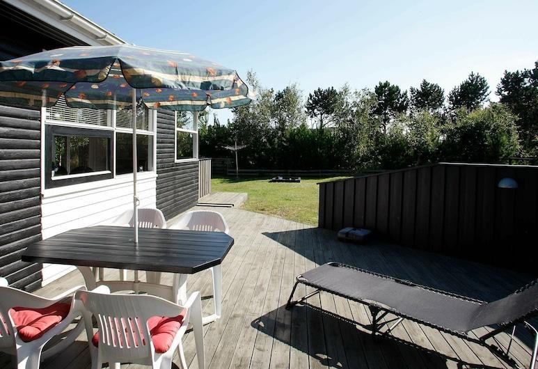 Cozy Holiday Home in Sæby Near Fredrikshavn, Sæby, Balkon