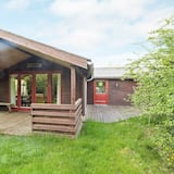 Cozy Holiday Home in Thyholm With Views of Limfjorden, Thyholm
