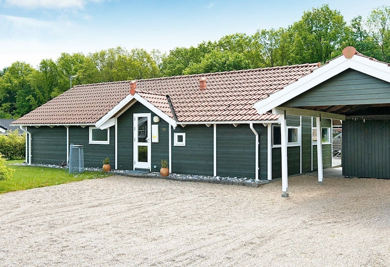 Gorgeous Holiday Home in Juelsminde Near Sea, Horsens