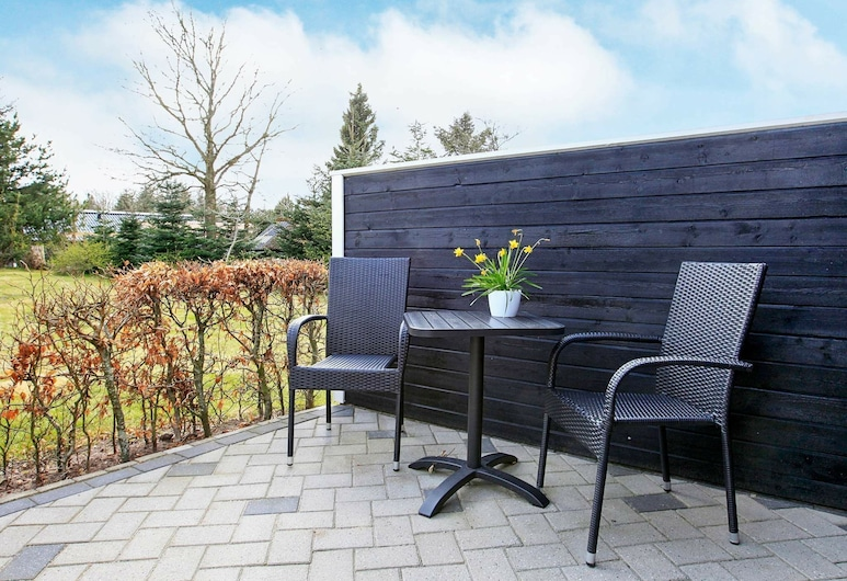 Beautiful Holiday Home in Løgstør With Whirlpool, Logstor, Balcony