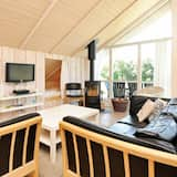 Beautiful Holiday Home in Hemmet Near Restaurants