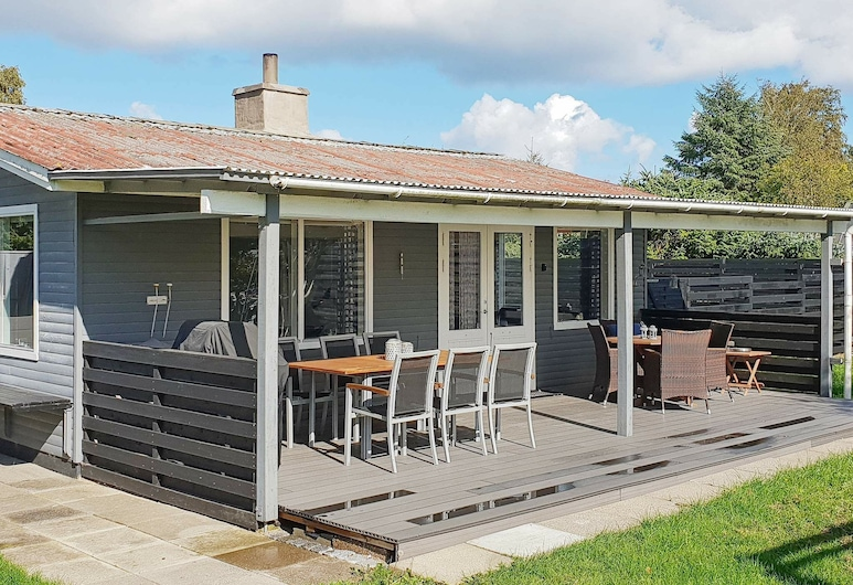 Cosy Holiday Home in Hadsund With Terrace, Hadsund