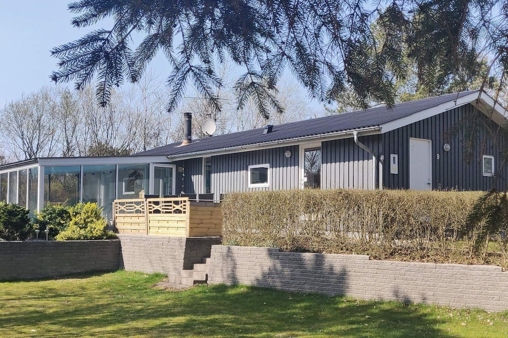 Lovely Cottage in Farsø With Swimming Pool