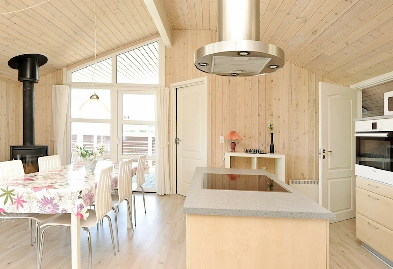 Tranquil Holiday Home in Hemmet With Sauna & Whirlpool, Hemmet, Living Room