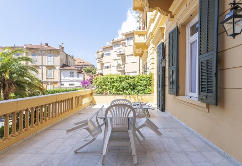 Attractive Apartment in Sanremo With Terrace, Sanremo, Balcony