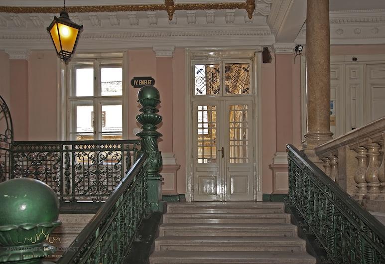 Andrassy2 Apartment - Fireplace, A/c, Free Wifi, City Centre, Budapest, Fasaden på overnattingsstedet