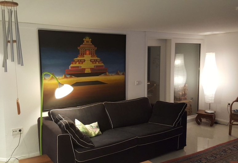 Home Away - at the Green Side of Bremen, Bremen, Living Area