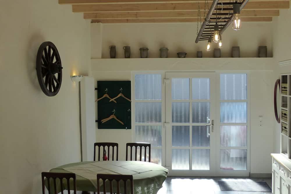 Exclusive Loft - In-Room Dining
