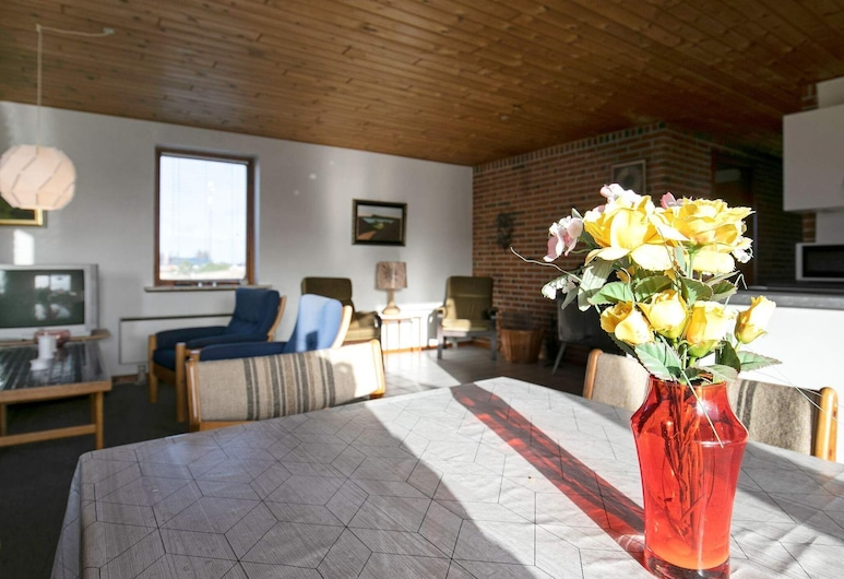 Lush Holiday Home in Frøstrup With Terrace, Frostrup, Numurs