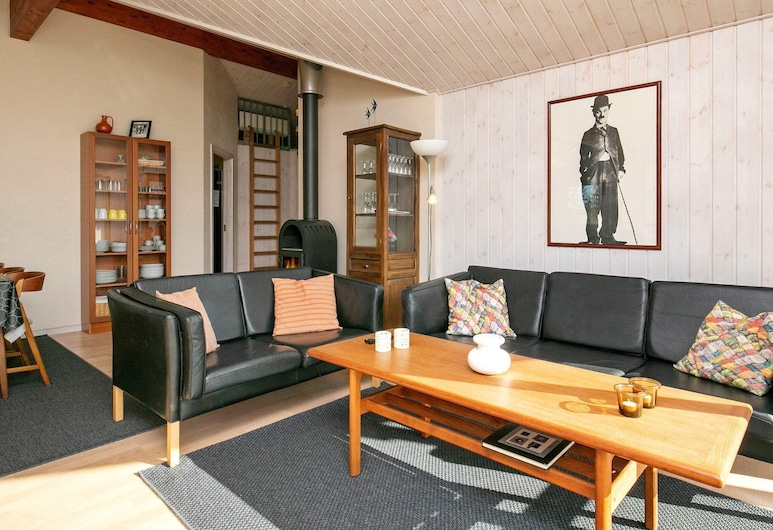 Stylish Holiday Home in Saeby With Sauna, Sæby