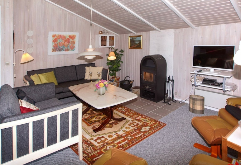 Lovely Holiday Home in Hemmet Near Sea, Hemmet, Sala de estar