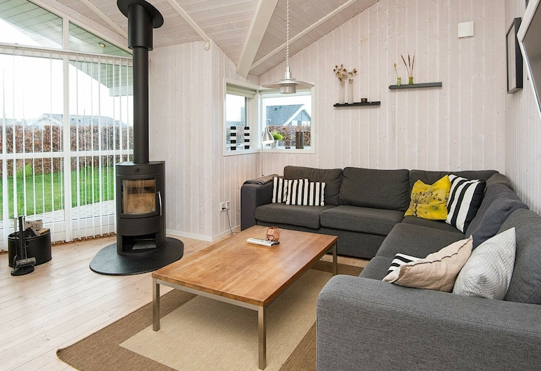 Quaint Holiday Home in Haderslev With Whirlpool, Haderslev, Wohnzimmer