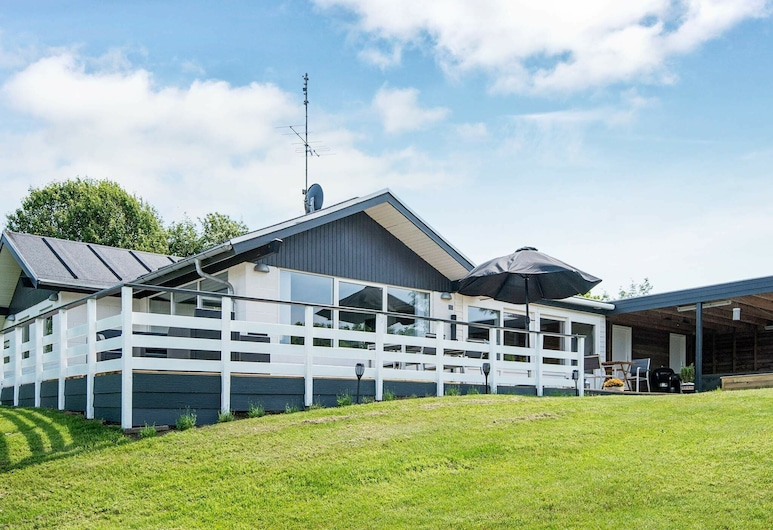 Gorgeous Holiday Home in Allingåbro With Sauna, Allingåbro