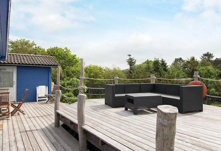 Quaint Holiday Home in Jutland With Terrace, Knebel, Balkong